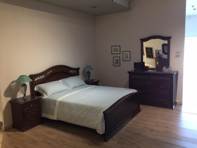 Camera da letto classica Domus Artis AMBRA NOCE a Novara ...